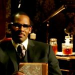 """R. Kelly """"Trapped in the Closet"""" New Episode!"""